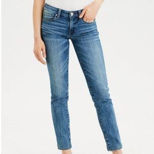 American Eagle Medium Wash Skinny Jeans 2 Short